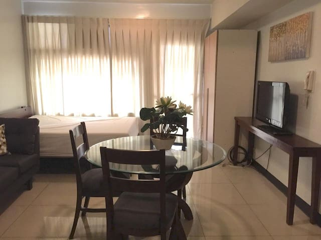 Fully Furnished Studio Unit - Good for 2, Cubao - เกซอนซิตี - (ไม่ทราบ)