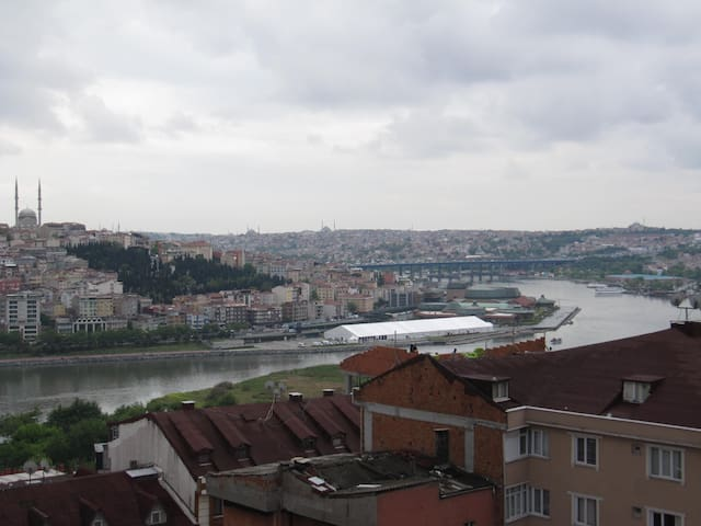 Cozy room with Golden Horn View - Eyüp - Bed & Breakfast