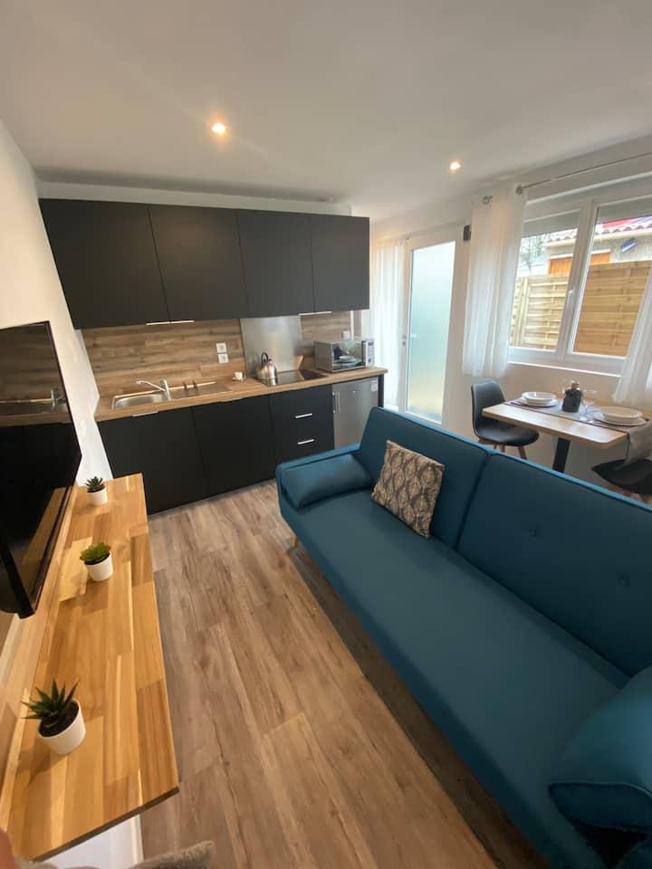 Studio meublé neuf à Bouguenais+terrasse+parking