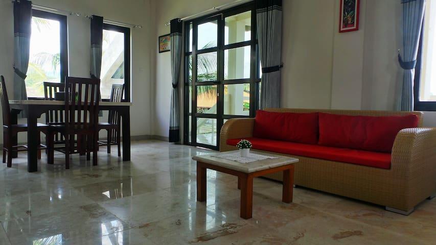 Medewi Manor: Surfers Heaven: Ocean View Apartment