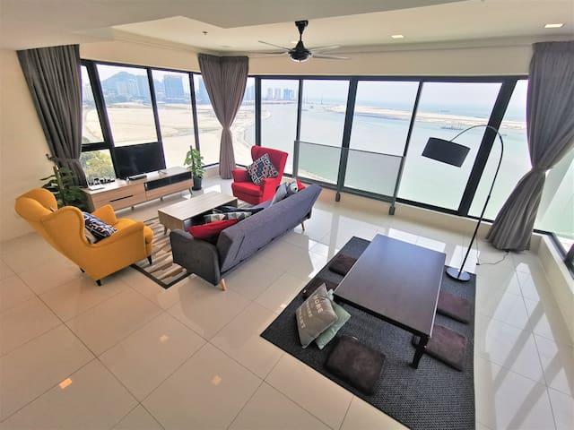 3BR Seafront Suite @Sunrise Gurney  3房式无敌海景套房