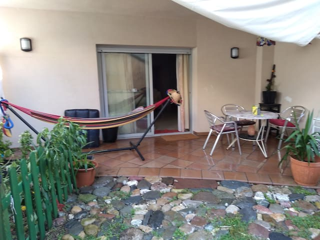 Amplio espacio privado con patio en la Garriga.