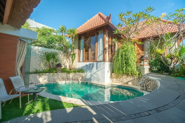 Designer Authentic Balinese Villa by Bukit Vista