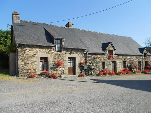 Maison en campgne - Mûr-de-Bretagne