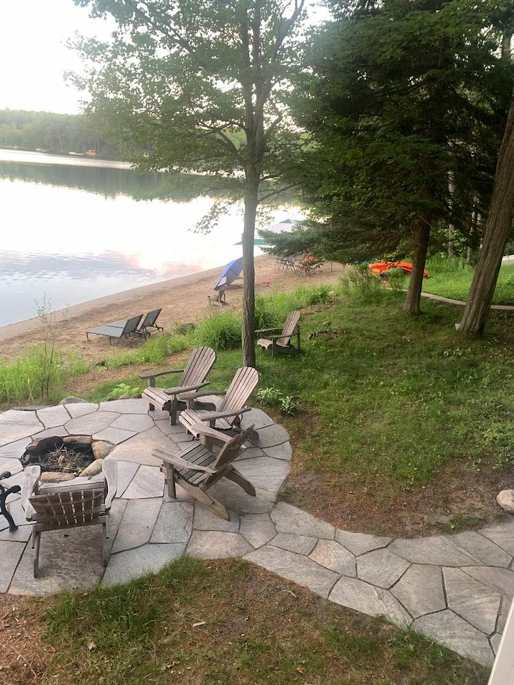 Best of Muskoka Family Cottage on beautiful lake