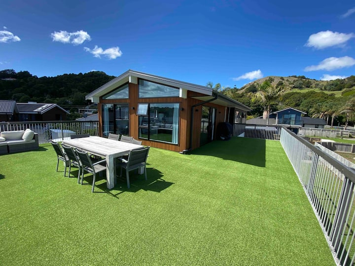 Spacious Home in Beautiful Waikaraka
