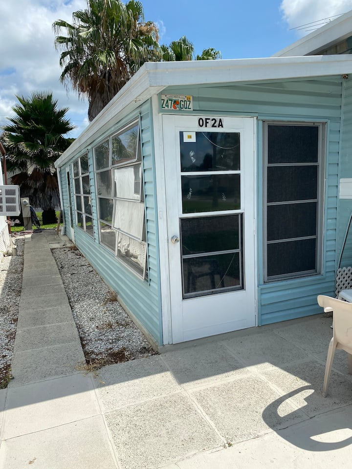 Cozy Mobile Home 55+ Community..near beaches