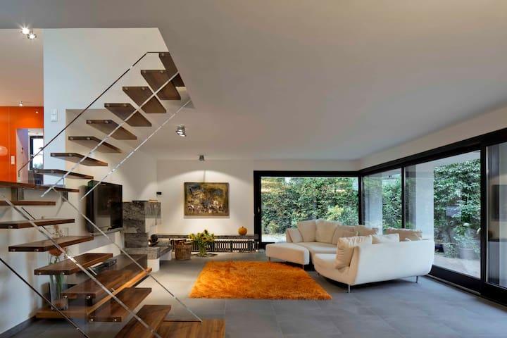 Villa im Bauhaus-Design - Düsseldorf - Rumah