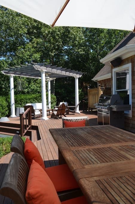 1100 SqFt Deck with Pergola and Webber Summit Grill