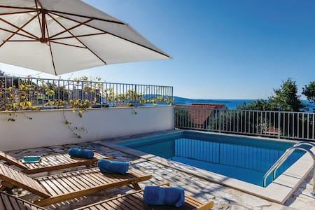 Villa Maestral | Three Bedroom Pool House