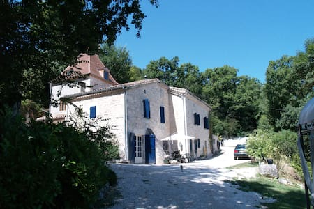 Gite met privé zwembad in Zuid Frankrijk - Montcuq - Sommerhus/hytte