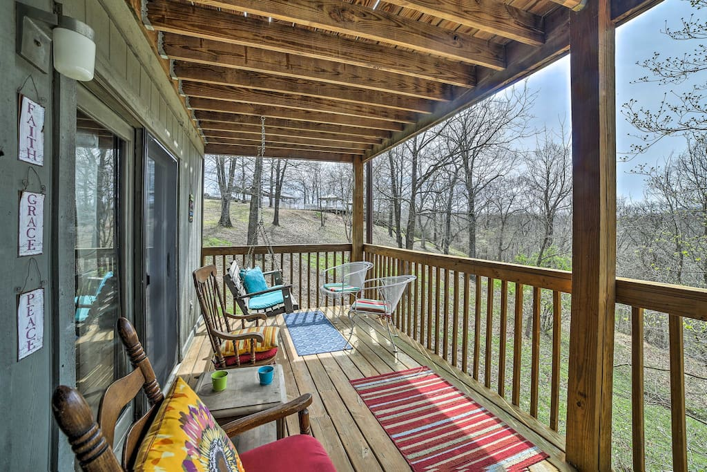 Boasting beds for 6 and a furnished deck, this home has something for everyone.