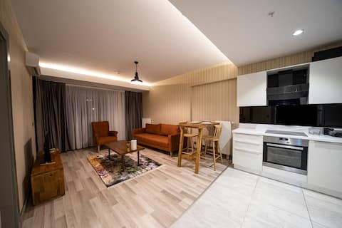 Un nuevo apartamento amueblado, seguridad 24/7, 1 dormitorio