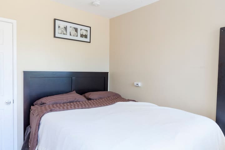 Cozy 2 BR guest house/apt for 4 - Montebello - Annat