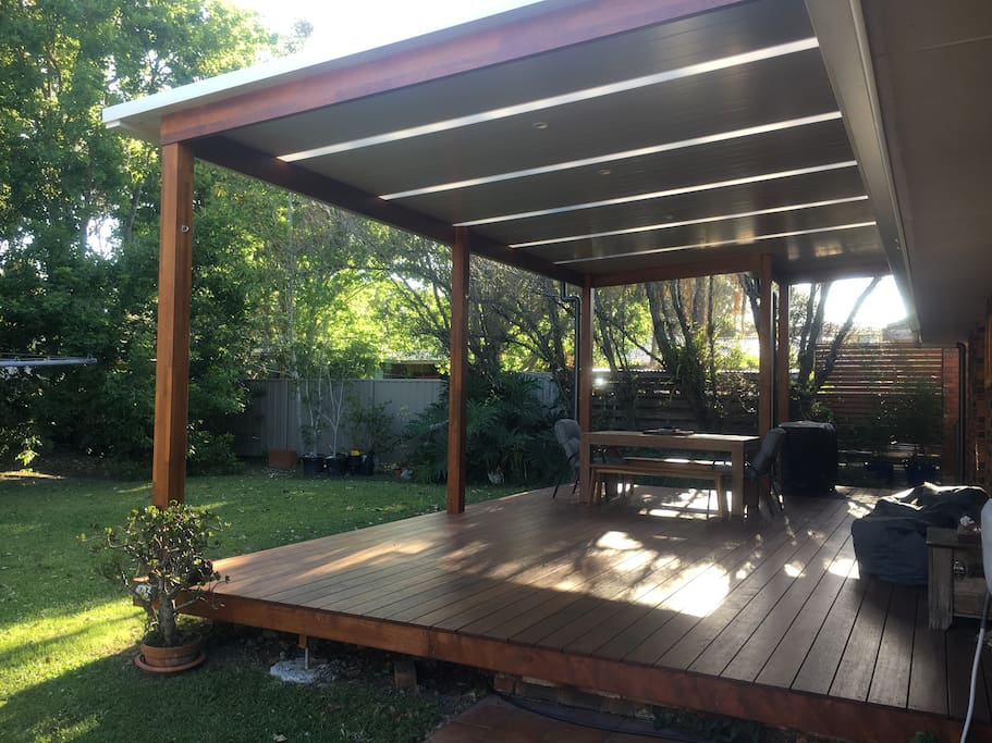 Large deck great for entertaining friends and family