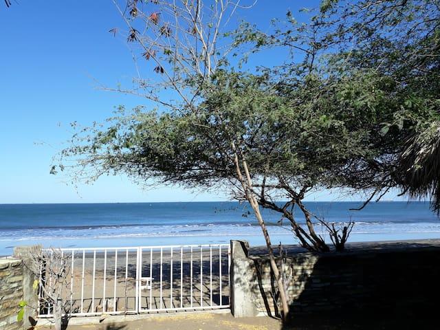 Casita en la playa con encanto - Miramar - House