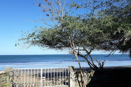 Casita en la playa con encanto - Miramar - Haus