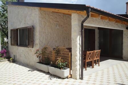 Apartmani Govic - Brodarica