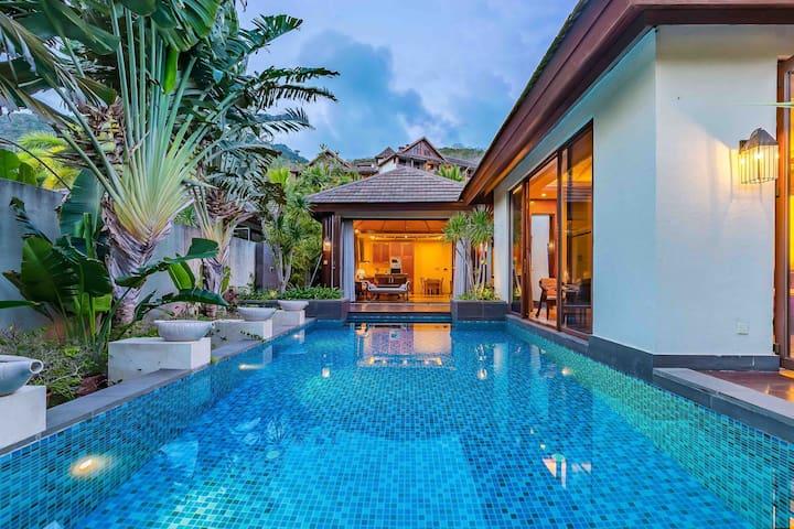 亚龙湾东南亚巴厘风情泳池别墅