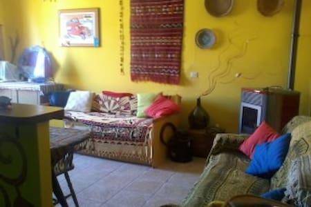 Casa indipendente a 10 min di macchina dal mare - Sedini