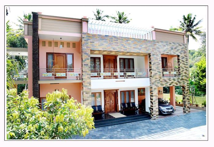 Periyar Villa Home Stay, Thekkady - Periyar
