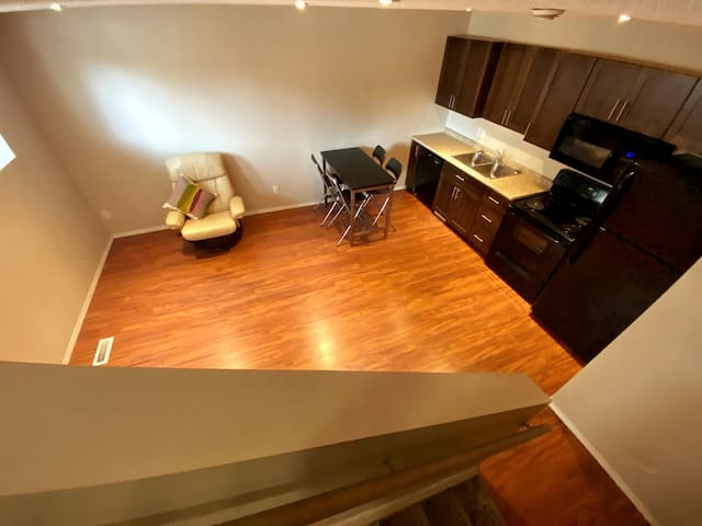 Downtown Suite Available for Heritage Classic Wkd!