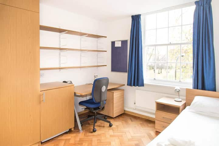 Single room - shared WC - in a university setting