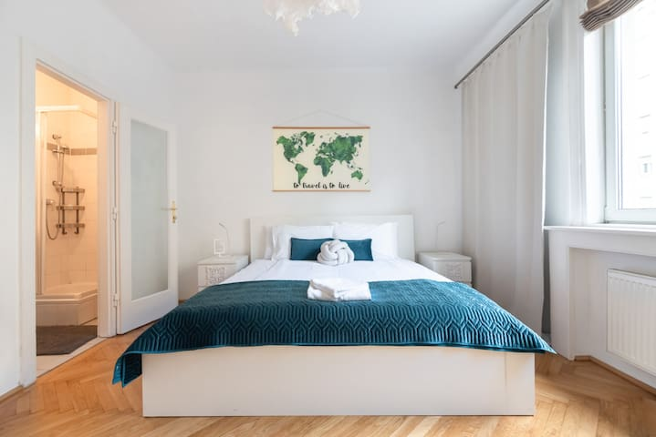 Best City Center Apartment -  live like a local !