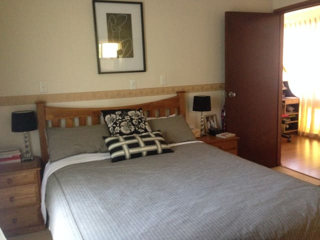 Bedroom with ensuite - Wembley Downs - Talo