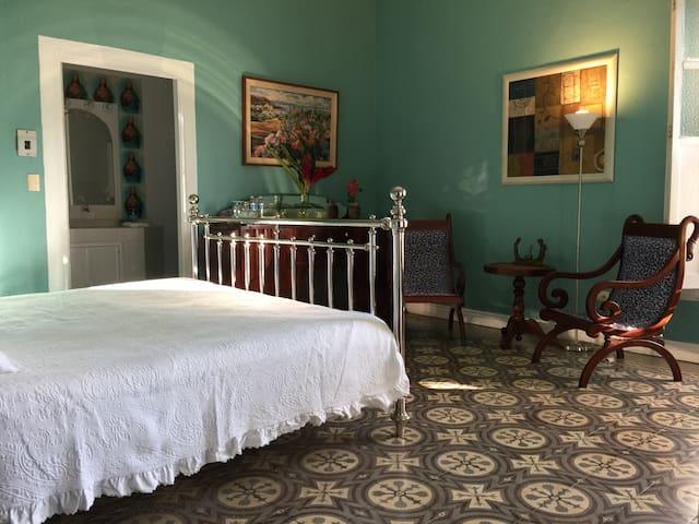 Bella casa con alberca privada - Centro - Dom