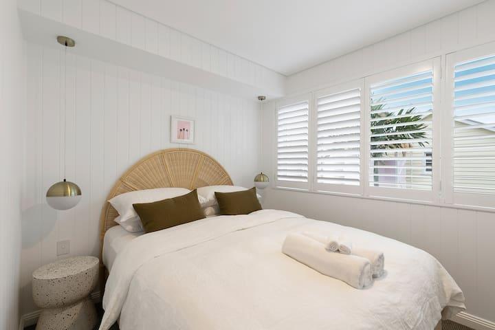 Sunset Beach - Riverside - Brunswick Heads - Queen Bedroom 2