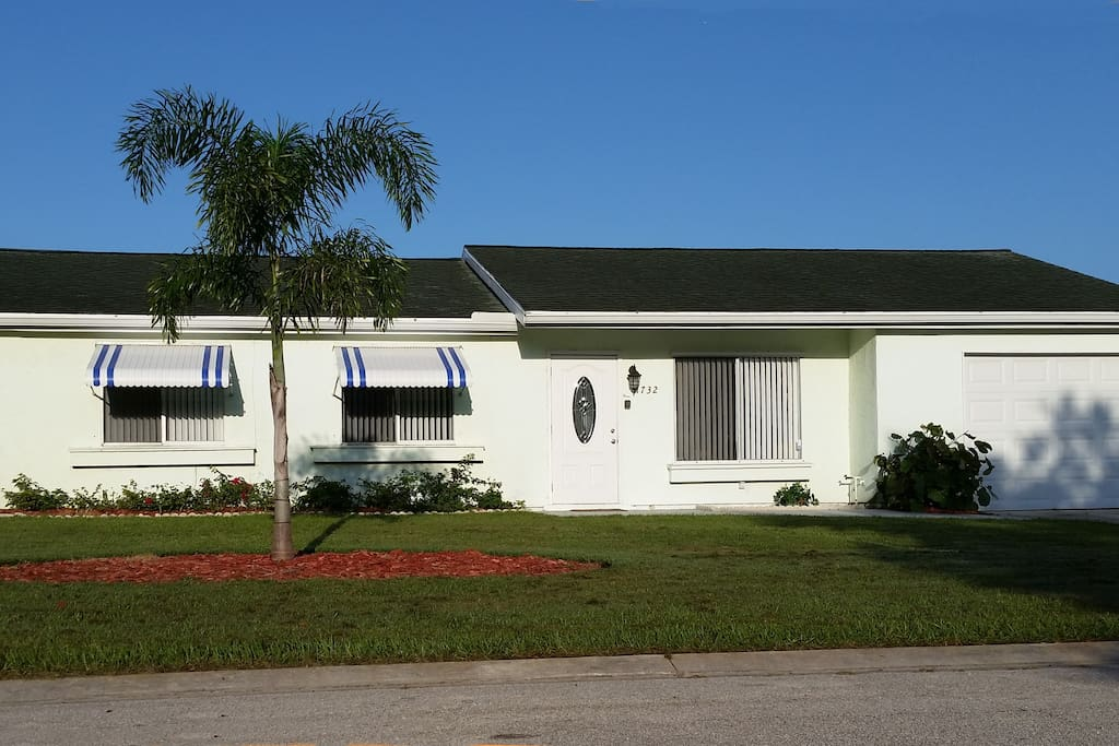 Lovely 3 Bedroom Pool Home Close To Beaches Houses For Rent In Port Saint Lucie Florida