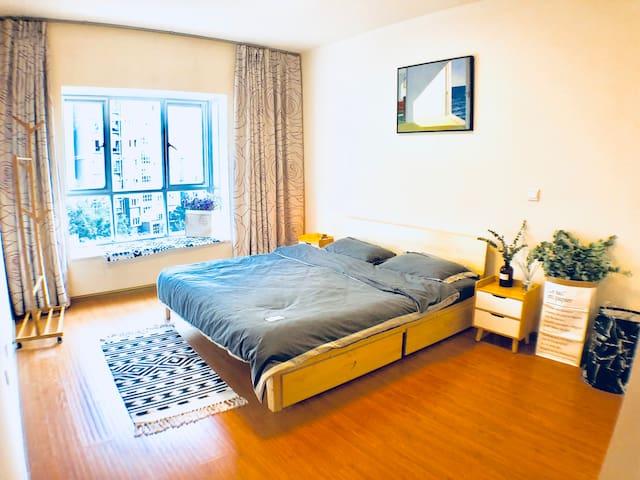 卧室1  双人床