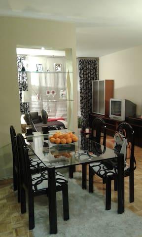 Habitación doble con wifi y TV - Pamplona - Apartment