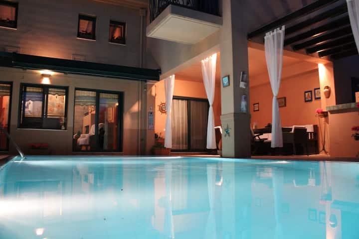 4-seasons pool villa-near METEORA