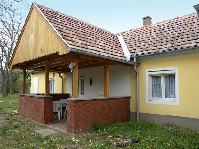 House for 4 persons in Balatonkeresztúr R45485