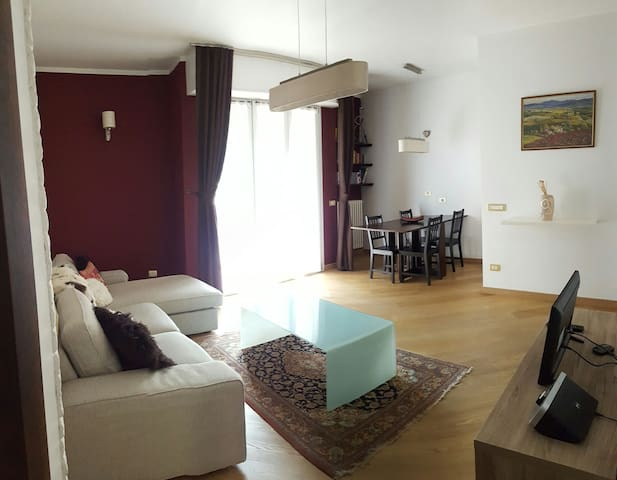Cosy flat with parking - Milà - Pis