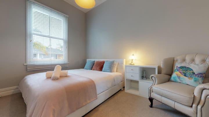 Regent Residental Villa--Bedroom A