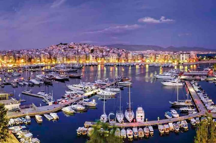 bedrm for2/ 9m to port/ beautiful view of Piraeus