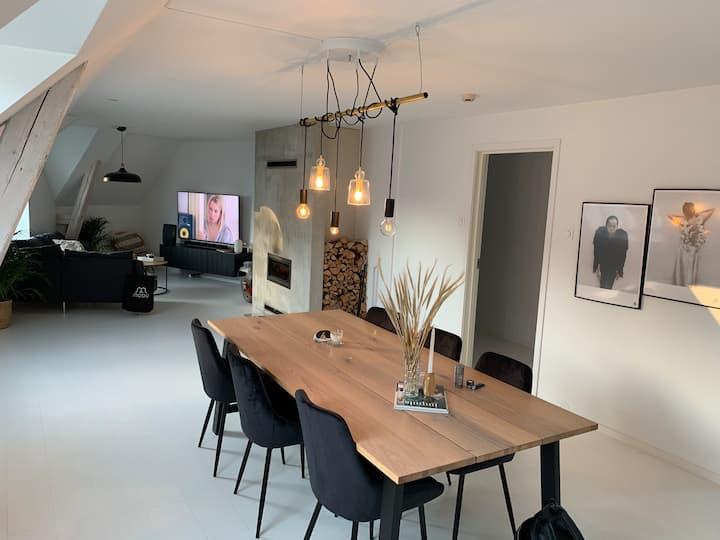 Unik 3-roms toppleilighet i sentrum av Ålesund