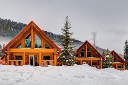 ✫✩ Beautiful Cottage In The Heart Of The Rockies✩✫