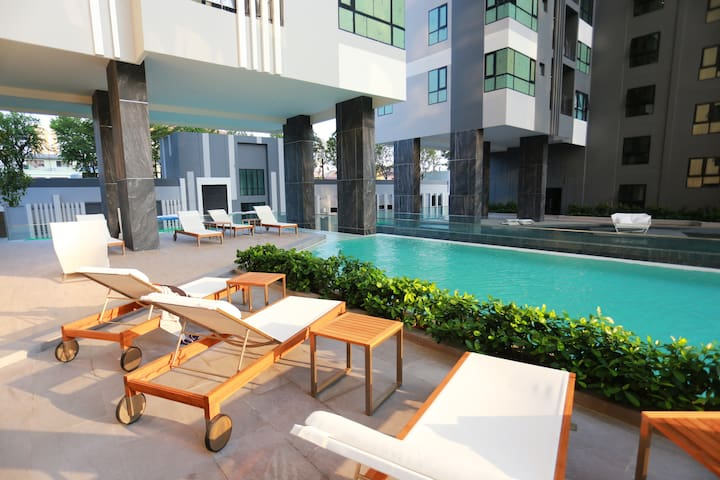 3rd Floor Swimming Pool