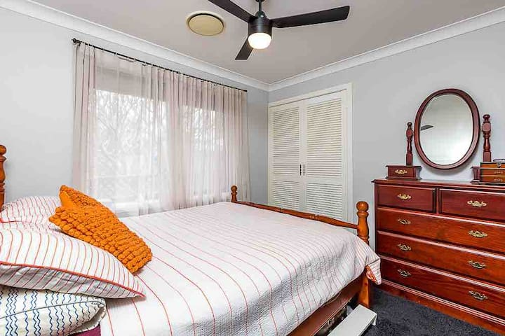 Ellenwood Villa Bedroom with Breakfast. Air Conditioned charming space.