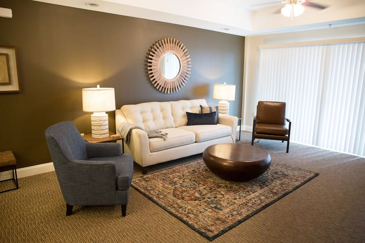 Newly Decorated Cozy Condo at Bristol Speedway