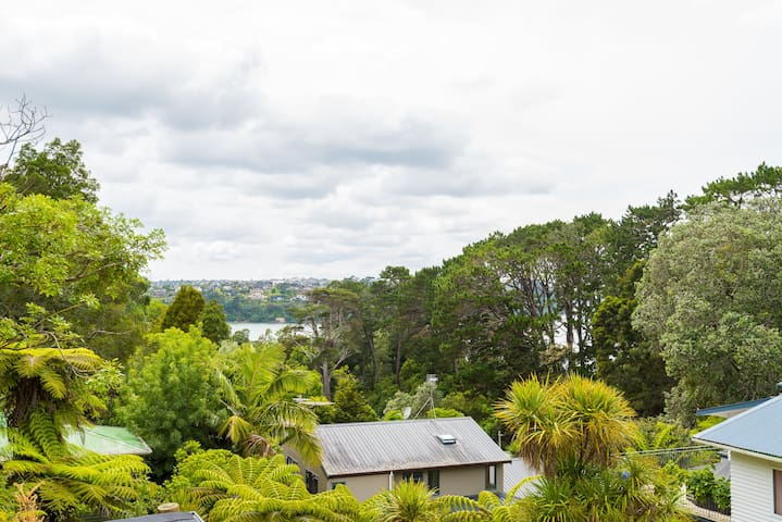 Brand New 5BR modern home with view of the bay