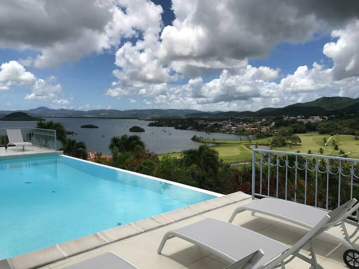 Villa luxe, 10 personnes, piscine, vue mer et golf