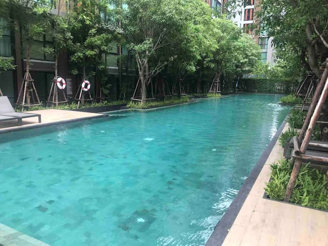 Condo Near BTS-Thong lo&Pool.Gym.Check-in24h.Wi-fi