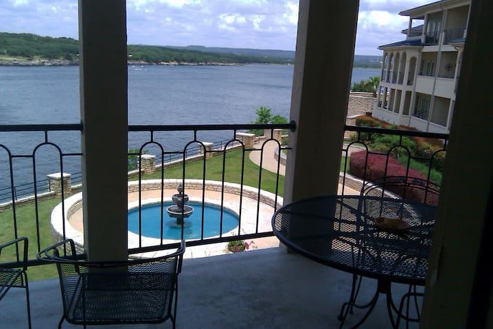 Sunset Lake View Villa on Private Island.. - Lago Vista - Villa