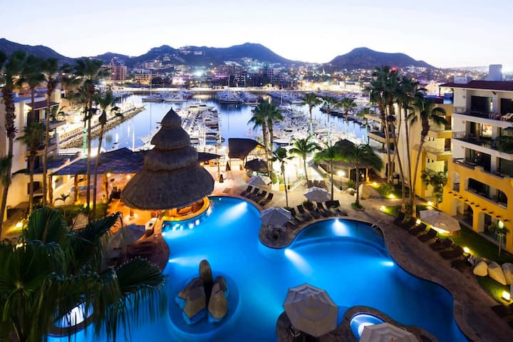 BEST MARINA OR POOL VIEW LUXE JR SUITE (STUDIO) IN CABO