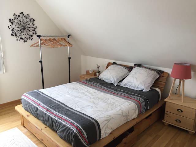 Double bedroom with bathroom (private floor) - Vannes - Hus